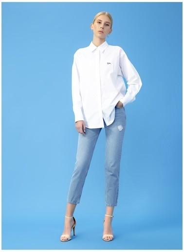 Derin Mermerci X Boyner Gömlek Beyaz